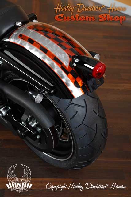 Dyna Street Bob Umbau Race Bob Custombike von Harley-Davidson Hanau