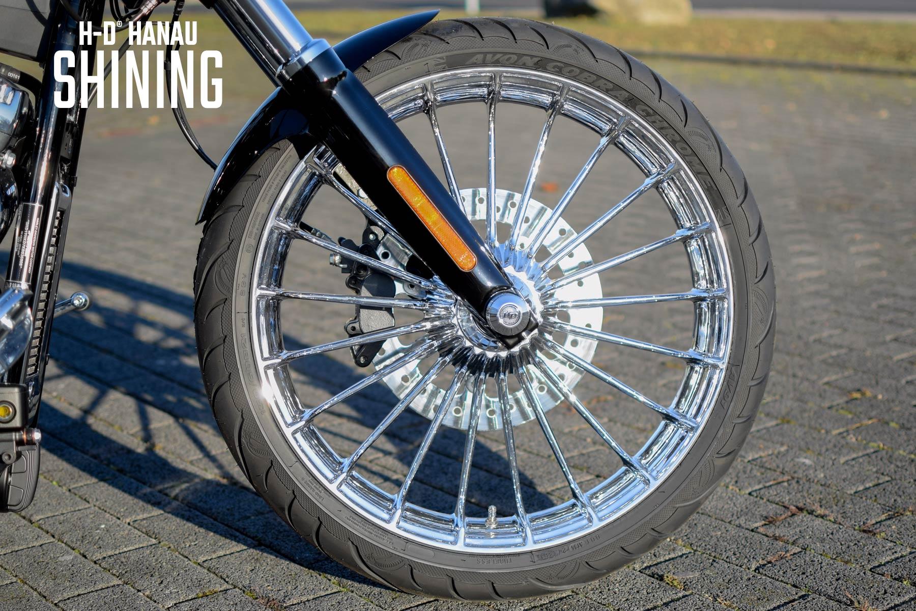 Harley-Davidson Hanau Softail Breakout Umbau Shining Custombike