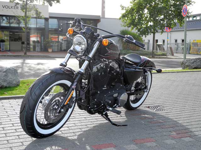 forty eight umbau cherry bomb 48 custombike harley. Black Bedroom Furniture Sets. Home Design Ideas